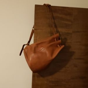 Tan coach vintage Duffy bag